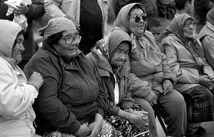 -*27 Cree Elder Women, Quebec