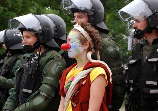 G8 Riot Clown
